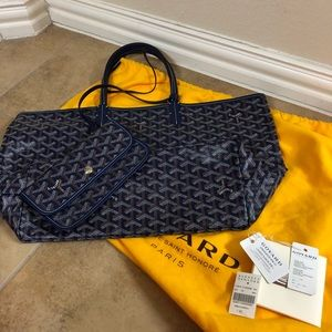 100% Authentic navy Goyard PM with pouch